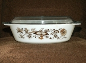 Pyrex Brown Blue Onion Oval Covered Casserole